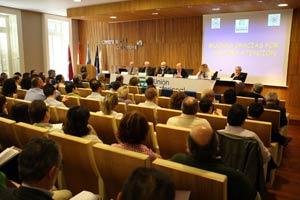 En la mesa redonda participaron varios expertos en la prueba pericial